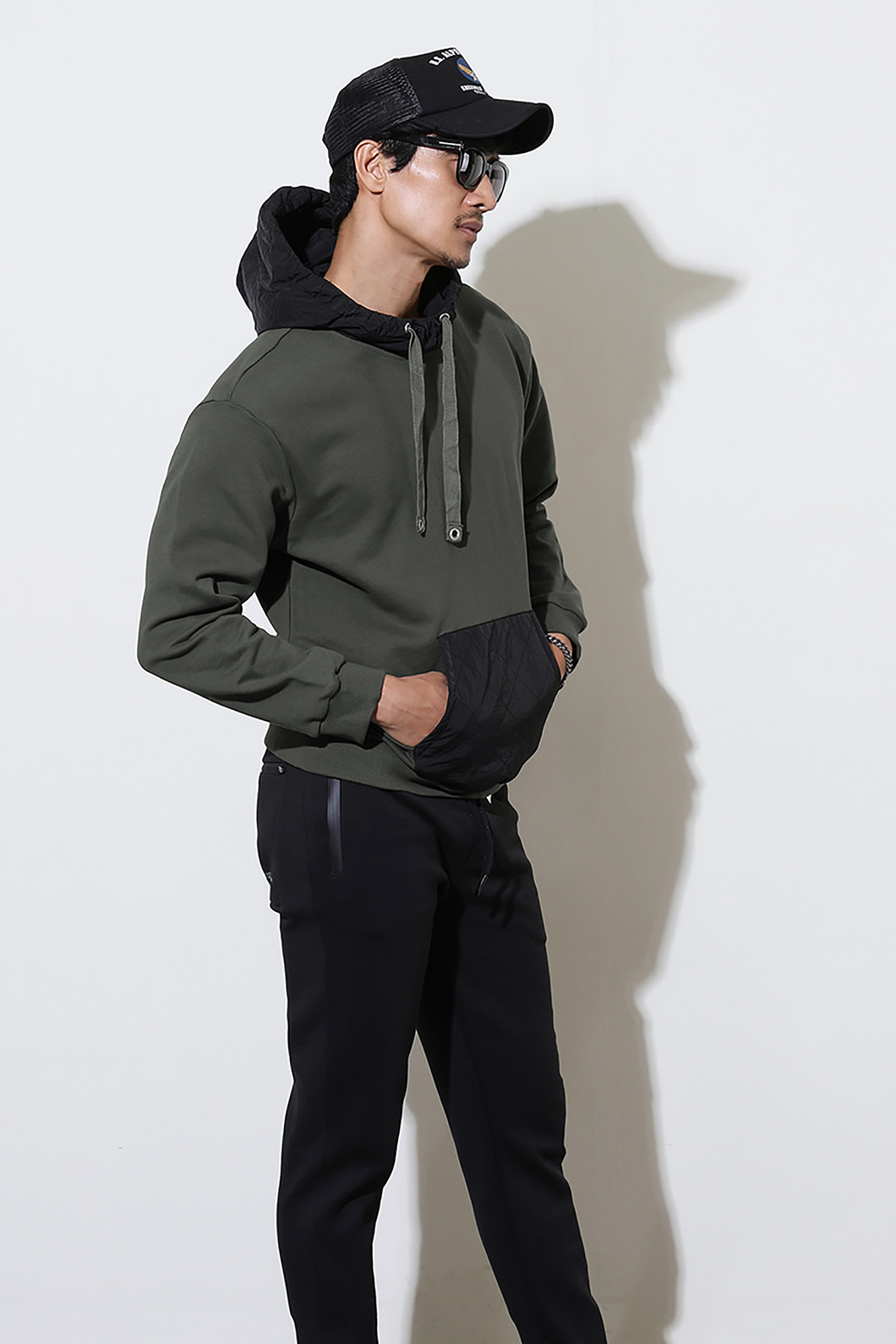 CONRAD POCKET HOODY -2COLOR수입한정제품