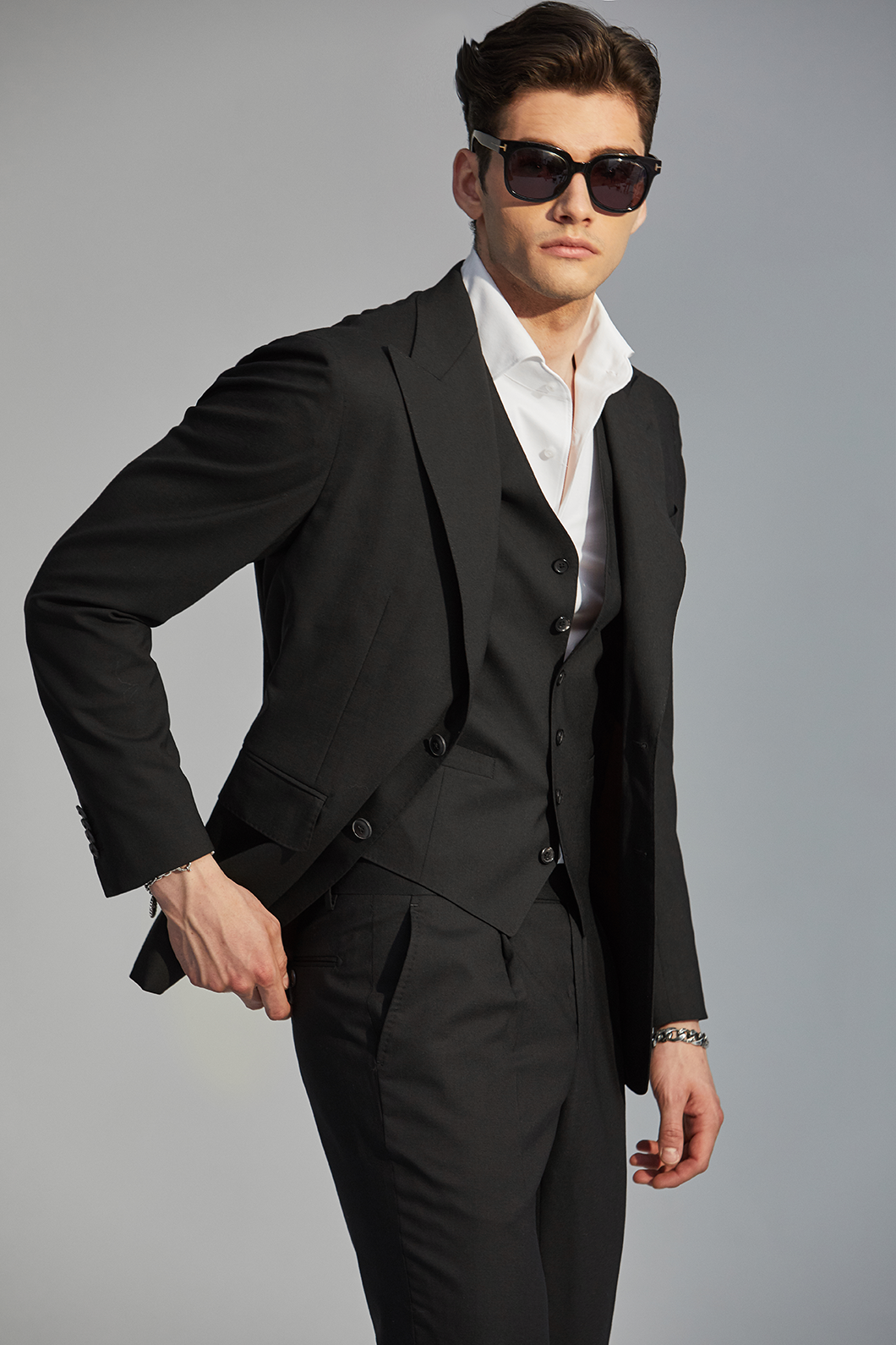 545 BLACK3 PEAKED SUIT-BLACK품절임박