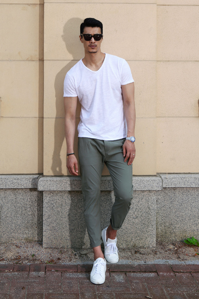 Collect basic v-neck t-shirt/2color-수입한정판