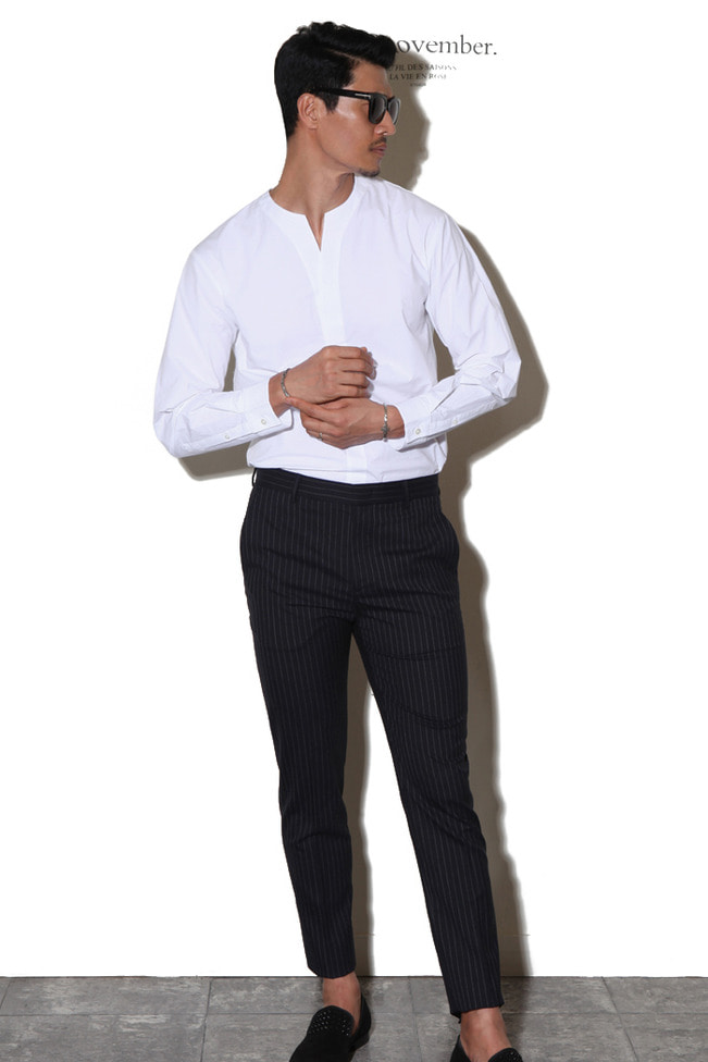 Notch neck cotton blend shirt/white