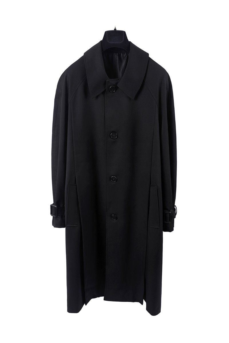 PLEATS OVER COAT-BLACK