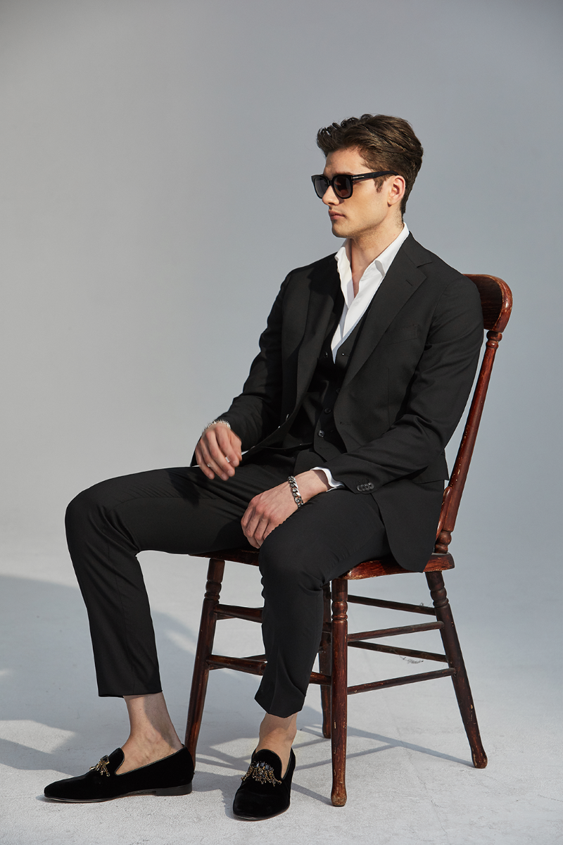 546 BLACK3 NOTCHED SUIT-BLACK